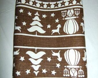 Vintage Swedish printed  Christmas linen table runner - Frösö handprint - Evalisa Agathon