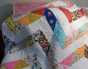 Modern lap quilt, baby or toddler crib quilt, chevron patchwork quilt