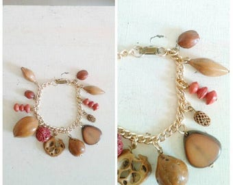 20% OFF / This Earthly Paradise 1950s Nut and Seed Autumnal Tone Charm Bracelet