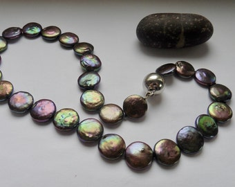 Pearl Necklace really flat beads black colorful peacock
