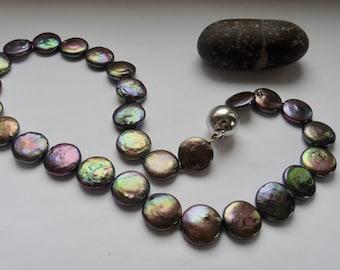 Reserved for Gail: Perlenkette echt Perlen flach schwarz bunt peacock