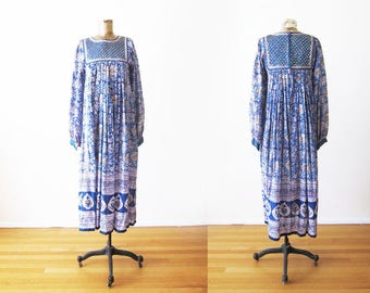 Vintage India Cotton Dress / 1970s Indian Cotton Gauze Maxi Dress / Bohemian Clothing / Blue White Boho Long Sleeve Maxi Small