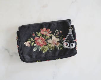 vintage 1940s floral needlepoint clutch with lucite zipper pull