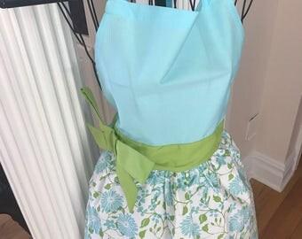 Summer Apron | Gift Teacher | Monogram Kitchen Apron | Green Apron | Full Apron | Blue Apron | Embroidered Apron | Floral Apron | Tiffany