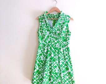 Vintage Green Floral Scooter Dress // Mini Dress // Babydoll Dress // 1960s