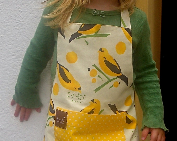 Apron with Pocket, Yellow Bird, Organic Cotton Reversible, flattering fit, CHILD size. Spring Fashion, Photo Prop