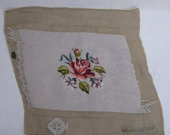 Vintage Floral Needlepoint . Decorator Needlepoint . Flowers . Bucilla