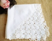Vintage Wedding Hankerchief /White Wedding Hankie With Pretty Lace Edge /White Hankie/ Something Old /Tea Party/Home Decor