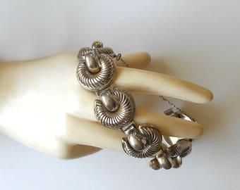 Vintage Sterling Silver Bracelet Scalloped Link early signed MONET