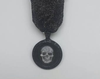 Mourning Jewelry Medal