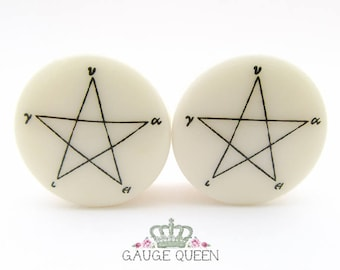 "Pentagram Plugs / Gauges. 4g / 5mm, 2g / 6.5mm, 0g / 8mm, 00g / 10mm, 1/2"" /12.5mm, 9/16"" /14mm, 5/8"" /16mm, 3/4"" /19mm, 7/8"" /22mm, 1""/25mm"