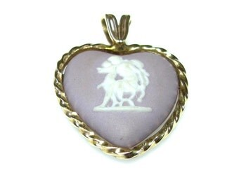 Vintage Wedgwood Lilac Heart Pendant - 14k Yellow Gold Mother and Child Pendant - Cameo Wedgwood Charm - Jasperware # 4322