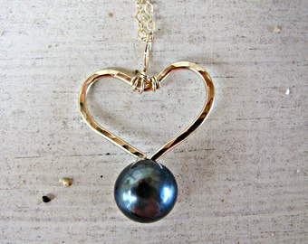 Gold Heart Pendant, Black Pearl Necklace, Heart Necklace, Heart Black Pearl, Gold Heart Pearl Necklace, Bridesmaid Necklace, Bridal Jewelry