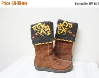 ON SALE Boot cuffs hand knit butterfly Leg warmer Scandinavian topper yellow brown cable knit patterned folding ready to ship Wool crochet