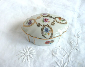 Dresden china box - German porcelain box - floral porcelain trinket box - P M 14 porcelain mark box - vintage china bon bon box