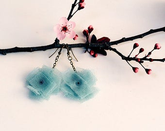 Tulle pendant earrings (medium)