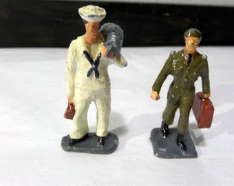 Britains/Barclay/JoHill Co - Lead Toy - Two Military Men - Small Size