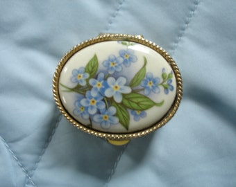 Vintage Porcelain Pill/Trinket Box in Soft Gold and Blue Forget Me Knot Floral
