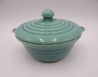Near Mint Vintage 1940s Bauer Pottery Jade Green Ring Ware Individual Casserole Covered Baker or Baking Dish - JD1