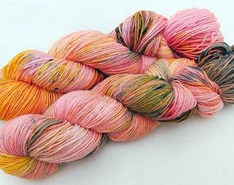 Handpainted Sock Yarn, 75 Wool  superwash, 25 Nylon 100g 3.5 oz.  Nr. 507
