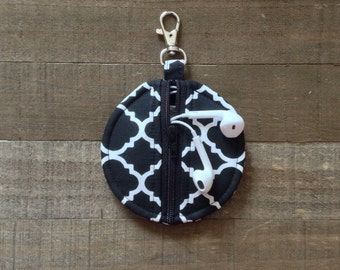 Circle Zip Earbud Pouch / Coin Purse - Black and White Quatrefoil