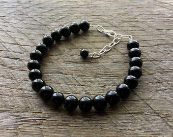 Black Pearl Bracelet Bridal Bracelet One Single Strand Simple Pearl Bracelet on Silver or Gold Chain