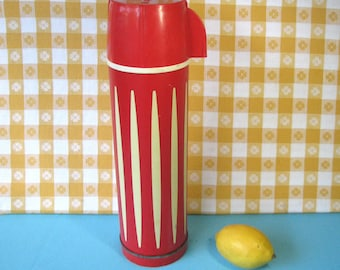 Universal Thermos - Red & White Stripe - Glass Lined Vacuum Bottle - 1 Quart - Mid Century Vintage 1960's