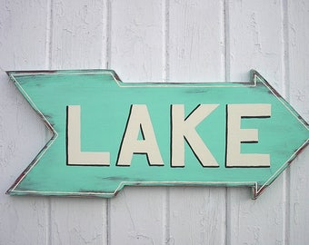 "Arrow ""Lake Sign"", Wood Wall decor, Wood Wall Art, Shabby chic, Rustic, Distressed, Gift, Patina"