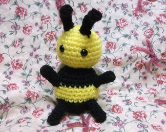 Crochet bee, bumble bee toy, bee amigurumi, bug toy, ready to ship