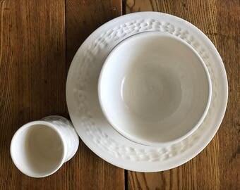 Porcelain Dinner Plates in Summer White