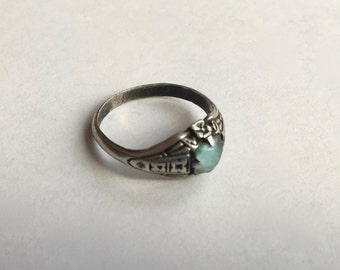 old uncas sterling pinky ring with aquamarine, size 3.25