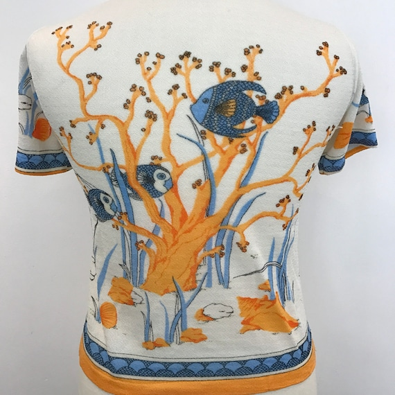 Vintage novelty print tee nylon stretch 1960s UK 12 14 fish underwater theme 70s top 60s t shirt original
