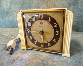 Vintage Art Deco Telechron 7H91 Ivory 1940s Telalarm Electric Clock