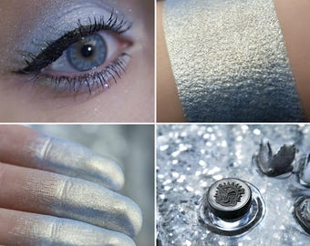 Eyeshadow: Crystal Lake Girl - MoonElf. Blue shimmering eyeshadow by SIGIL inspired.
