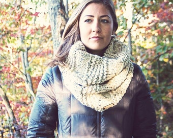 CUSTOMIZABLE Chunky Knit Scarf