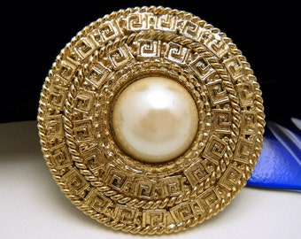 Vintage MJENT Brooch Gold Tone Greek Key Design Pearlized Cabochon