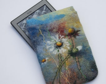 Felted Kindle Cover Kindle Paperwhite Voyage Case floral e-reader Sleeve blue gadget white dandelion pouch with magnetic snap gift for her
