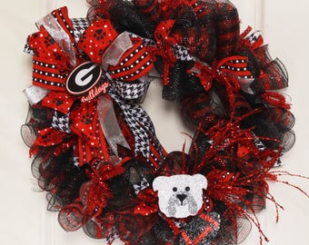 Football Wreath // Georgia Bulldogs // Georgia Wreath // Football season // UGA Wreath // UGA Football // Go Dawgs // Deco Mesh Football