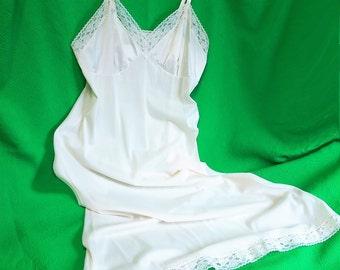 Vintage Vanity Fair Full Dress Slip, Off White Bridal Lingerie, Size 36, Made in the USA