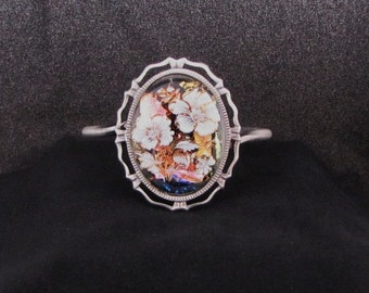 Beautiful Fused Glass Bracelet, Dichoric Glass, with White & 22K Gold Decal of Flowers