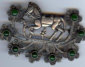 GORGEOUS VINTAGE sterling silver HORSE in jade flower field pin brooch