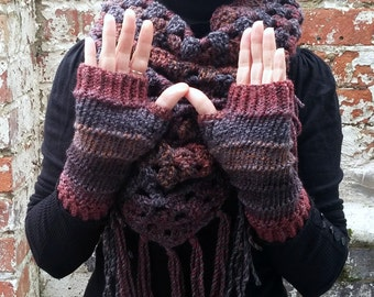 Knit gloves . Knit fingerless gloves ,wrist warmers  . Brown gloves . Knitted arm warmers.Festival clothes and accessories.