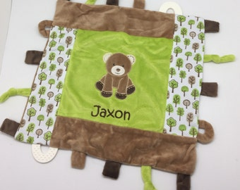Baby boy gift, personalized baby gift boy, blanket with tags, tag minky blanket, monogram baby blanket, teddy bear, baby shower gift, taggy