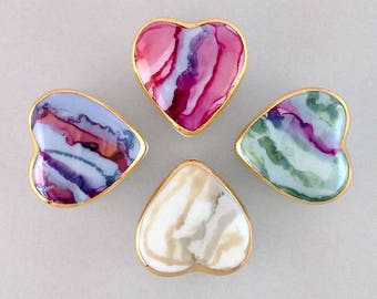 Heart shaped porcelain box, available in your choice of 4 colors.  Perfect Tooth Fairy, engagement ring or gift box, also for wedding favors