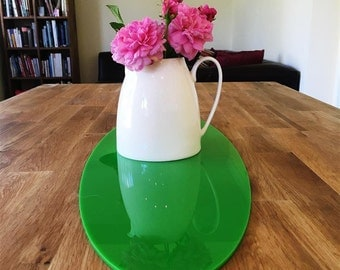 Oval Table Runner in Bright Green Gloss Finish 3mm Acrylic - 2 Sizes Available