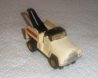 Aurora T-Jet Slot Car / International Tow Truck / #1364 / Thunderjet / HO Slot Car