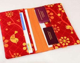 Travel case bird red