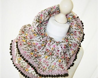 Chiffon cloth floral pattern Bobble pink green Millefleurs cloth lace