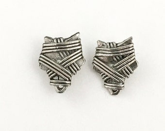 1 pair (2 pieces) of pewter post earring finding with back stopper, 16.5mm x 20.5mm #FIN E 031