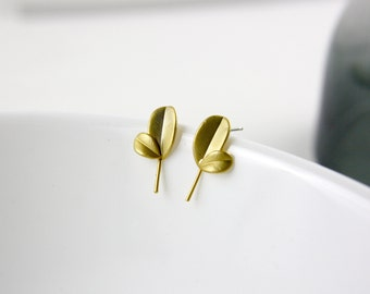 Gold branch - gold plated ear studs E23